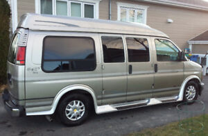 Van Chevrolet Express - Conversion camper ** Prix négociable **