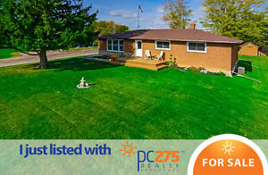 ANCASTER/JERSEYVILLE - Newly Renovated Bungalow in the Country