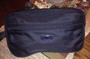 TOILETRY BAG Comox / Courtenay / Cumberland Comox Valley Area image 1