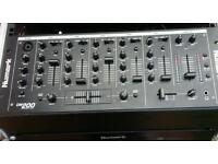 Numark console with twin cd players and 4 channel mixer