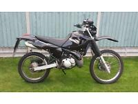 2005 dt 125 re black