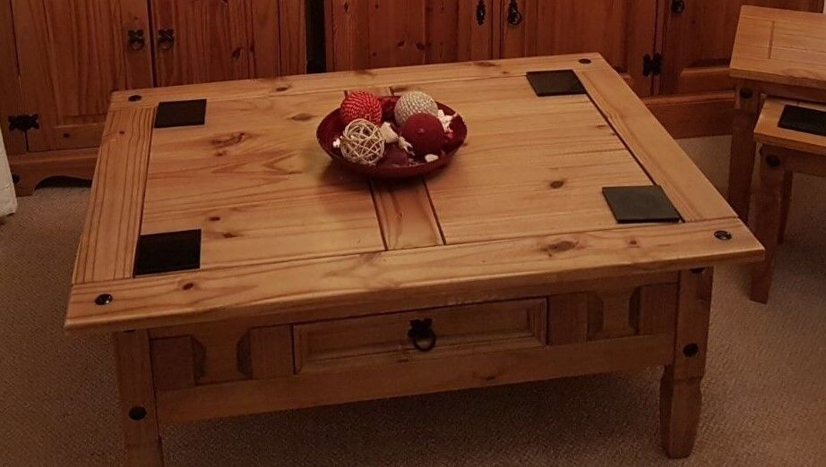 Beautiful Solid Wood Coffee Table With Draw Used 80 Ono