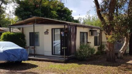Onsite Cabin in Paynesville Restahaven Caravan Park