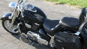 WANTING - left side cover for 2007 Suzuki Boulevard C50