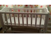 Baby swinging crib bargain £20