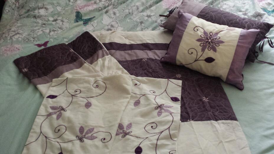 King size bedding (purplein Blackwood, CaerphillyGumtree - King size quilt cover4 pillow cases2 matching cushionsAll by catherine lansfield