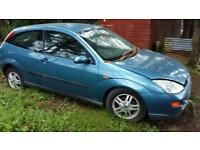 Ford focus 3dr 1.6l for breaking