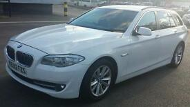 BMW 5 SERIES 530D TOURING CAR 3.0 WHITE STOPSTART. LOADS EXTRAS 0 OWNERS FROM NEW