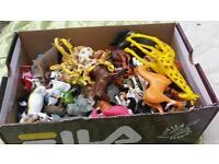 Box of figures animals