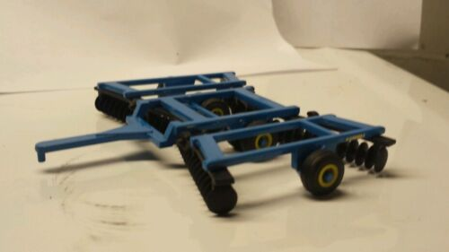 1/64 CUSTOM LANDOLL 20 FOOT DISK ERTL FARM TOY