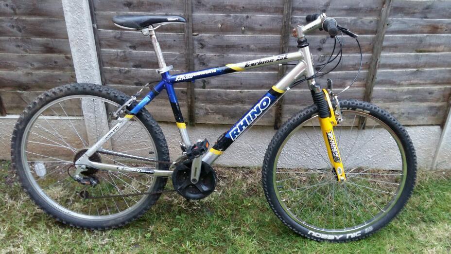 Mens mountain bike rhino hardtail alloy frame lightweight 26\
