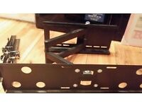 Heavy duty TV multi angle bracket with bolts holds up to 55inch cost £174.99 sell for £24.99
