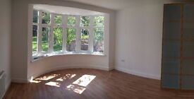 BRIGHT DOUBLE ROOM AVAILABLE TO LET IN RECENTLY RENOVATED HOUSE IN HENDON NW4