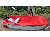 Boat/ Dinghy