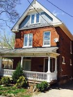 8-bedroom student house - super close to Laurier!