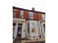 7 Rooms in a 7 Bedroom Student Property to Let - Middleborough Road - CV1 3AD