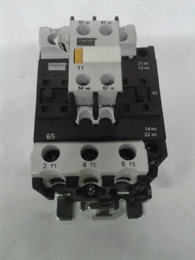 Dayton 6EAR4 600 Volt AC Max IEC Contactor with 6EAR9 Auxillary Block