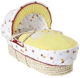 Moses Basket with rocking stand and its bedding