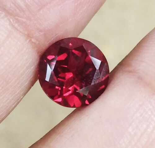 3.05ct. 8.5x8.5x6 mm. Round Cut Red Pyrope Garnet Top Color Gems AAA+++