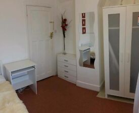 SINGLE ROOM FOR RENT NEAR SOUTHAMPTON GENERAL HOSPITAL