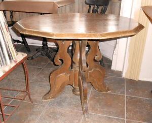 Table de Jeux Antique en Bois - Rare