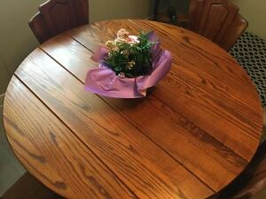 """Solid Hardwood 45""""RoundTable+Leaf+4Chairs"""
