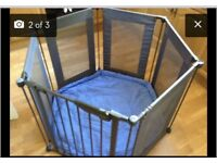 Lingdam play pen with mat with side extensions.