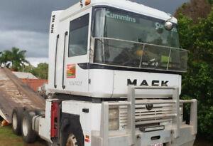 Wrecking 1999 Mack Magnum (Stock #T0880) Mareeba Tablelands Preview