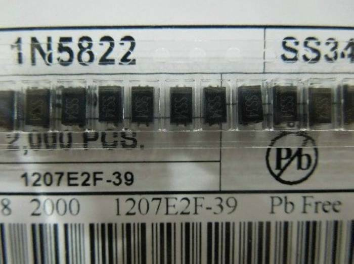 100PCS SS34 1N5822 3A/40V SMA DO-214AC Schottky Diodes