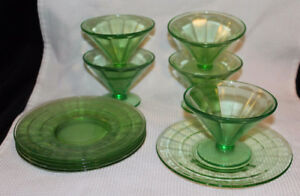 GREEN DEPRESSION GLASS SHERBET FOOTED BOWLS W/PLATE