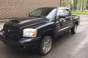 2006 Dodge Dakota R/T (4x4) V8HO 265HP (VERY RARE MODEL)