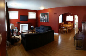 Excellent 3Bdrm Hous@1375$ with 1month free rent Avail. Immediat