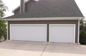 Brand new 16x7 insulated garage door (r10)