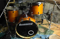 LUDWIG ACCENT CS AVEC CYMBALES PAISTE ECHANGE POSSIBLE