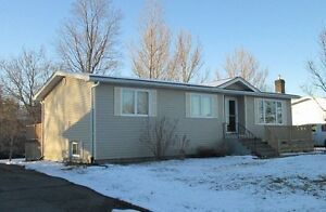 Well Maintained 4 Bedroom ...2 Bath....Sussex