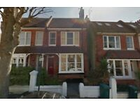 2 bedroom flat in Chanctonbury Road, Hove, BN3