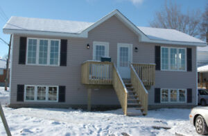Luxurious 1 Bedroom Apartment for Rent in Renfrew for January 1