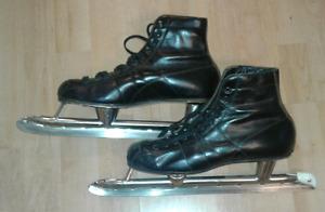 Ladies' Bauer Skates – Excellent Condition