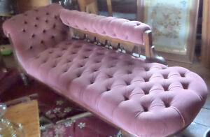 Antique Elegant Chaise Lounge 6ft Long and in Perfect Condition