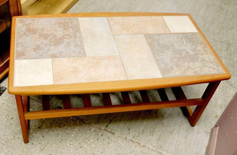 SALE NOW ON!! - Tiled Top Coffee Table - Can Deliver For £19
