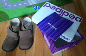 Kids Closed Shoes Pediped Size 11-11.5 ; $ 15 Like NEW in a Box