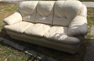 SMALL COMFORTABLE COUCH Highgate Perth City Area Preview