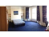 Very Large Double Rooms Available For Rent - In Excellent House - 90 Malone Avenue Belfast
