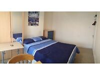 Double room to rent in Feltham for a single Female