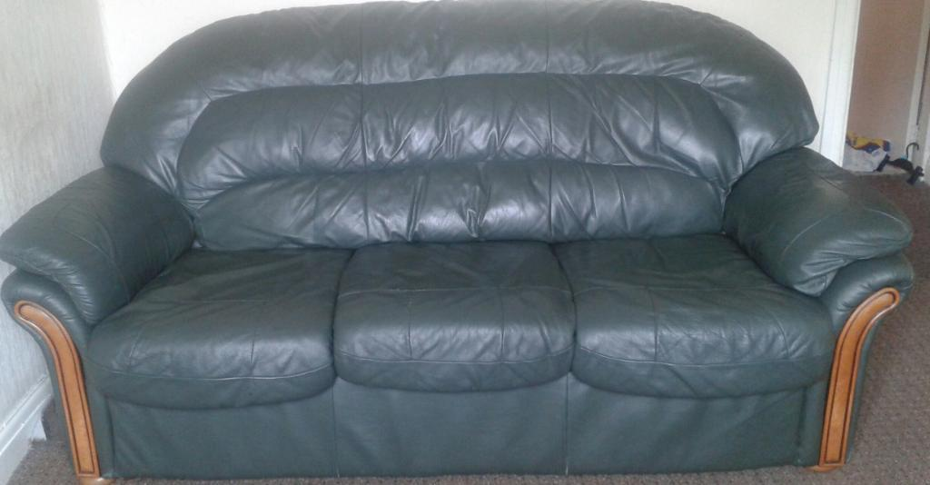 very cheap green leather 3 piece suite in preston. Black Bedroom Furniture Sets. Home Design Ideas