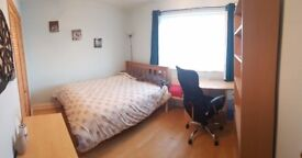 Lovely large double room close to town and station great area