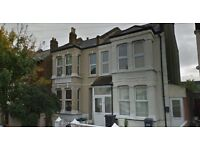 Spacious three bedroom maisonette to rent in Thornton Heath.