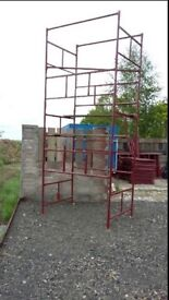 Scaffolding towers 15ft high ideal for builders, home DIY