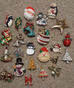 COLLECTION OF 24 CHRISTMAS BROOCHES