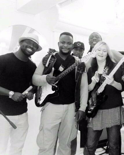 Cheap Guitar Lessons for beginners in Kingston London. Friendly, knowledgeable and skilled tutor
